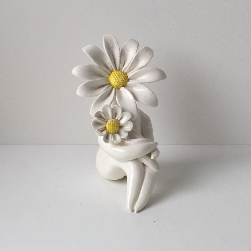 Miss Daisy Mum Flower Sculpture