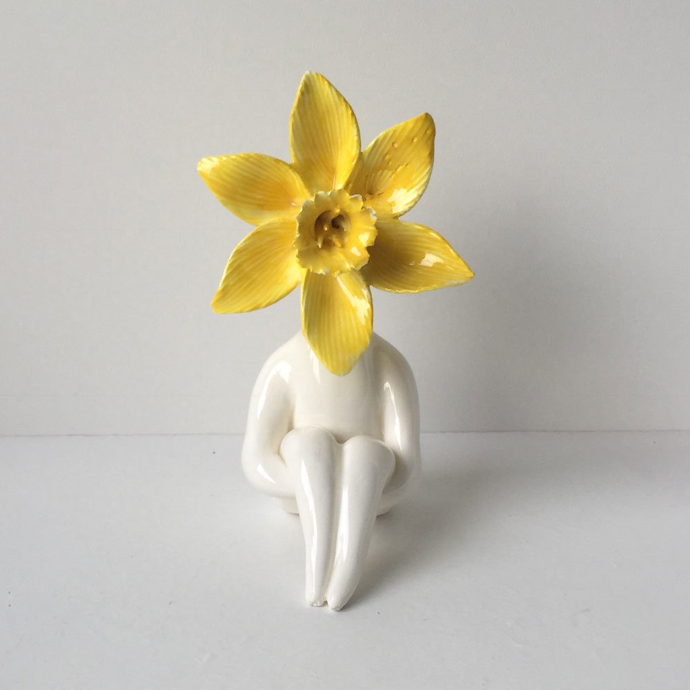 Little Miss Daff Flower Sculpture