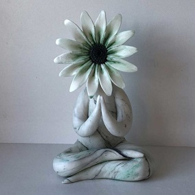 Mindfulness Gift-Preying Gerbera